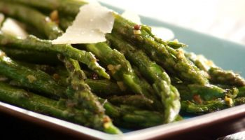 Aspargos Ao Alho: Acompanhamento Diferente e Delicioso