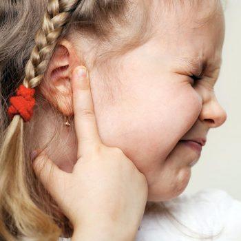 Infecção de Ouvido: Causas, Sintomas e Fatores de Risco
