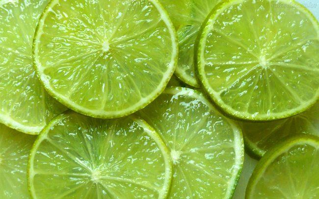 Limão é um ótimo ingrediente para o suco anti-inflamatório.