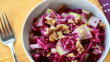 Receita de Salada Crocante de Repolho Roxo com Frango