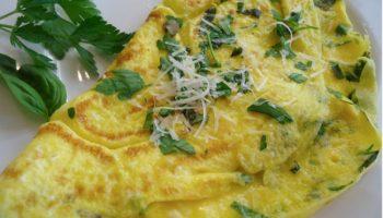 Omelete com ervas. Imagem: (Divulgação)