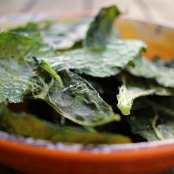 Chips de Couve: Snack Saudável e Prático.  Imagem: (Divulgação)