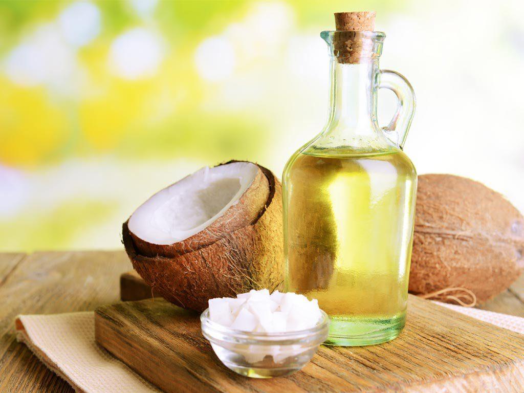 Óleo de coco é um dos alimentos para dieta cetogênica.