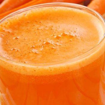 suco-abacaxi-com-cenoura