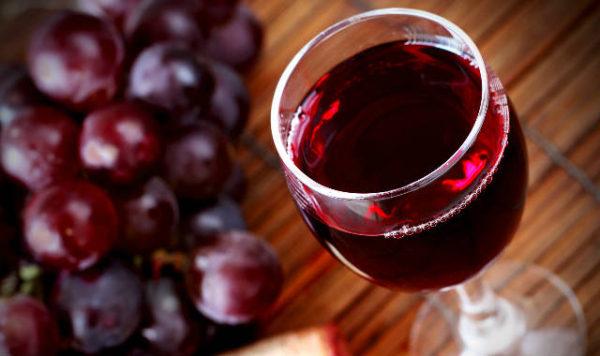 Benefícios-do-Vinho-Tinto-que-você-não-sabia-caminho-do-vinho-e1463600740521
