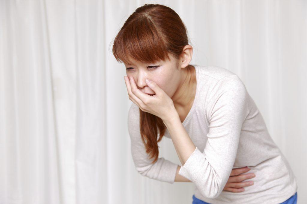 Um dos benefícios do gengibre é reduzir a náusea