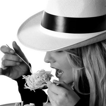 Compulsão Alimentar: Como Evitar neste Verão? Imagem: (Divulgação)