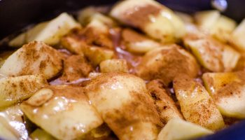 cooked-apples-1102079_1920