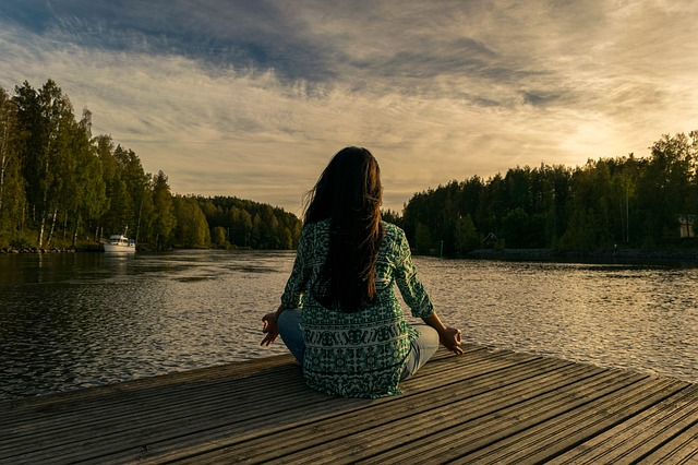 Meditar ajuda a controlar os hormônios