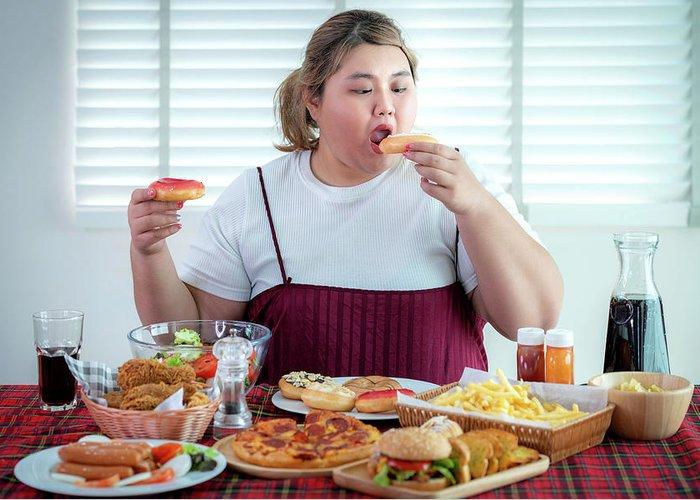 hábito negativo de comer açúcar