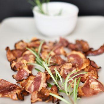Iscas de Frango com Bacon. Imagem: (Divulgação)