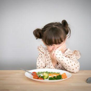 crianca-autismo-alimentacao-600×400