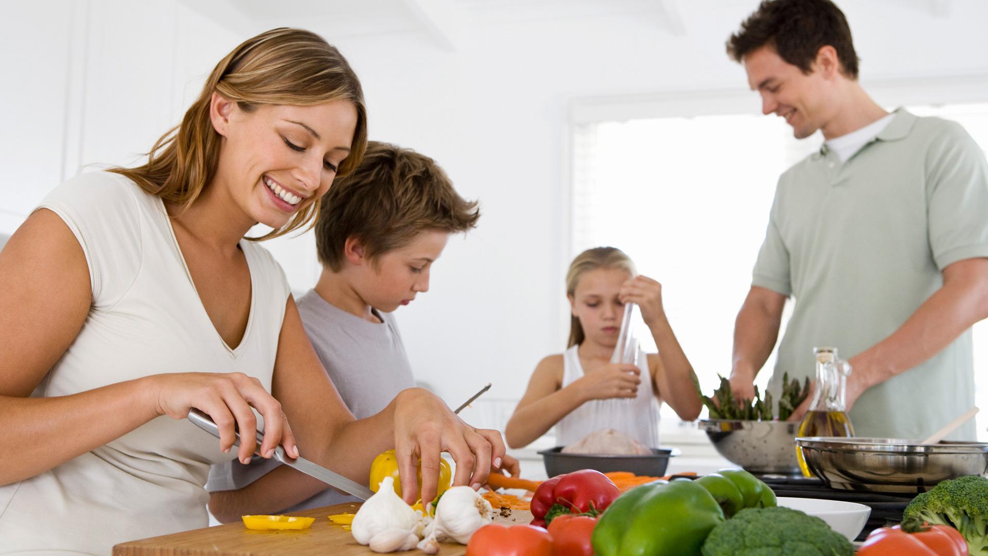 Relações familiares saudáveis beneficiam a saúde em geral.